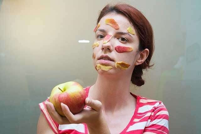 Benefits of Apple for the Skin - Treats Acne, Blemishes, and Dark Spots